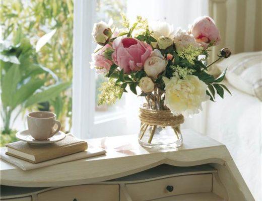 decorar el dormitorio con flores